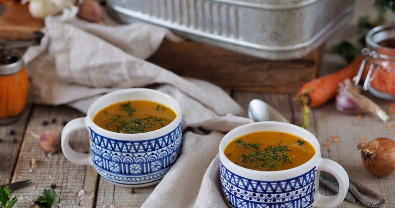 Zeleninová polievka s červenou šošovicou a pšenomZeleninová polievka s červenou šošovicou a pšenom