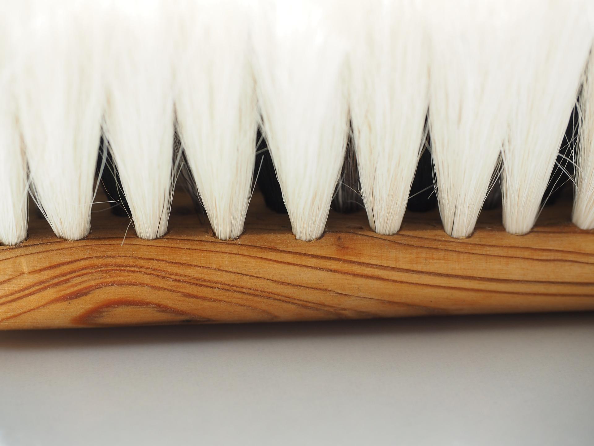 Drevená zubná kefka nezaťaží zdravie rýchlejšie sa rozloží