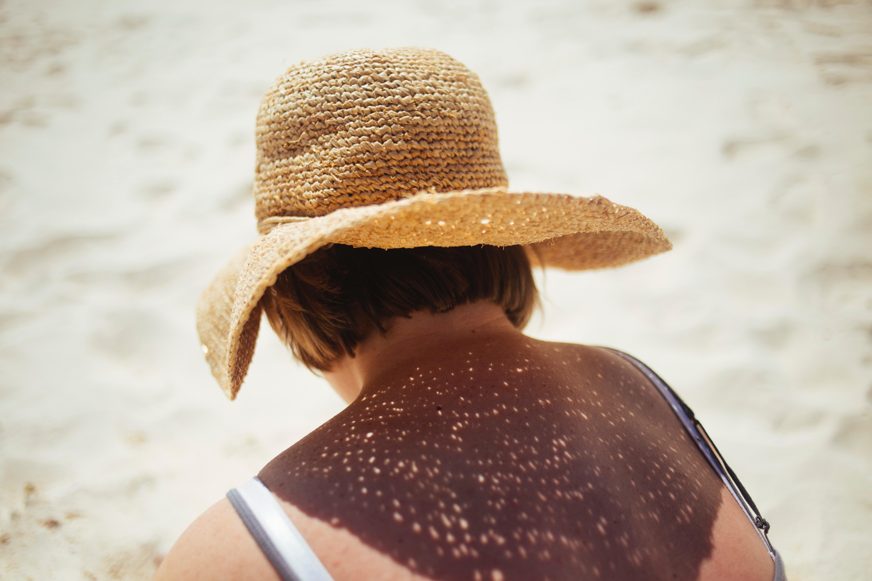 Žena v klobúku