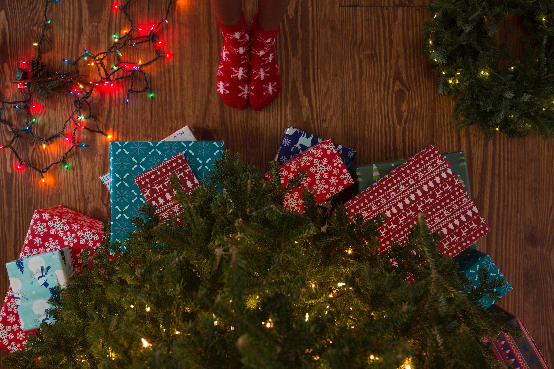 Hrejivé ponožky s vianočným motívom urobia vždy radosť