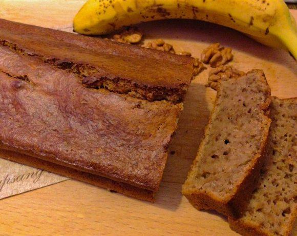 Banánový chlebík s pomletými orechami