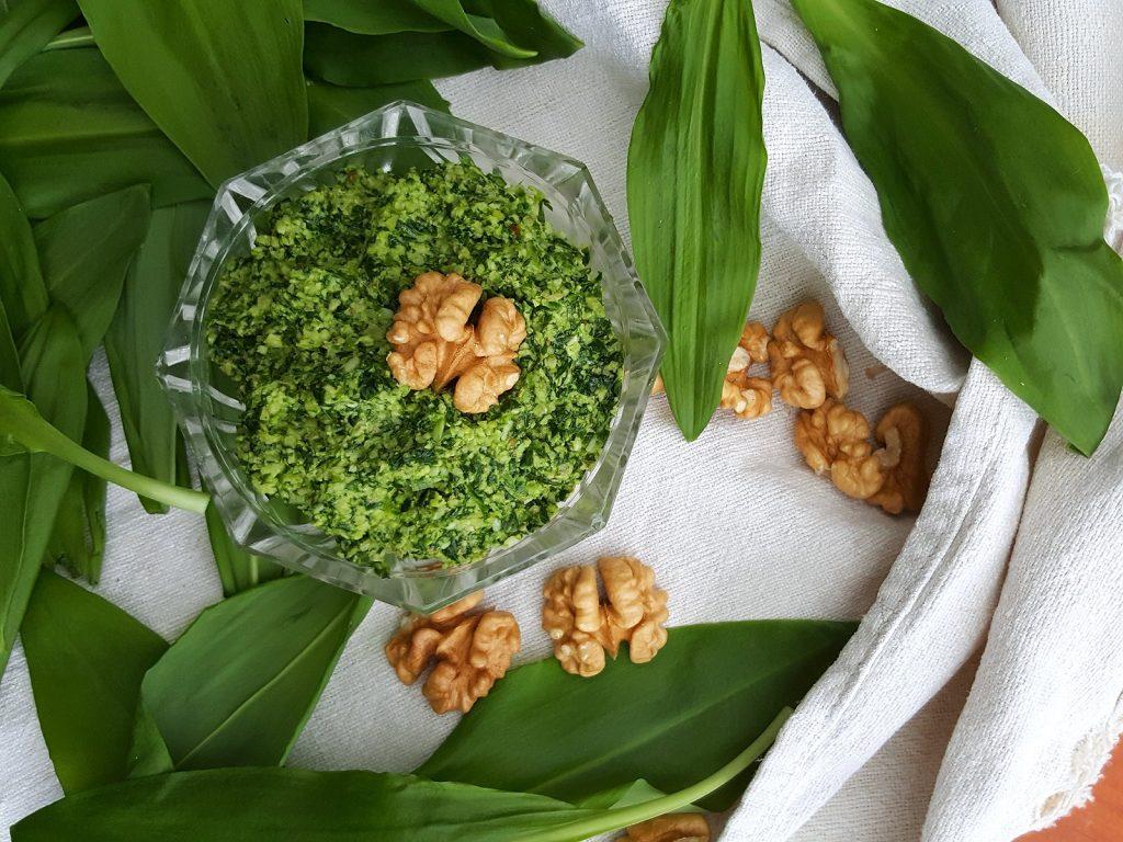 Pesto z medvedieho cesnaku